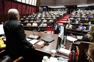 Aprueban proyecto de Presupuesto; PRM y LFP se abstuvieron de votar