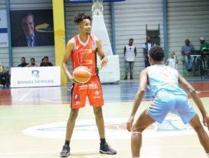 Centro y Savica triunfan en basket superior de Higüey