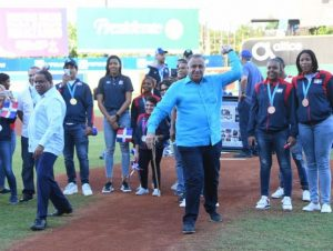Licey rinde homenaje a medallistas de Lima 2019