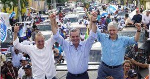 SANTIAGO: Luis Abinader encabeza  concurrida caravana PRM y aliados