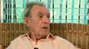 Muere escritor Carlos Esteban Deive