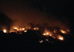 JARABACOA: Sigue en sus buenas el fuego en  vertedero Buena Vista