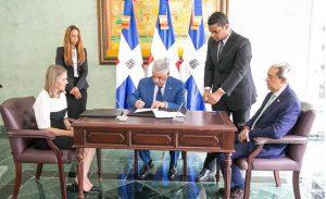 Cónsules acuerdan con Adoexpo impulsar comercio y exportaciones