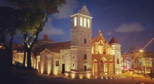 Iglesia Santa Bárbaraserámuseo de arte eclesial para turistas