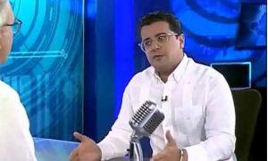 Abogado muestra documentos base del sometimiento al periodista Zapete