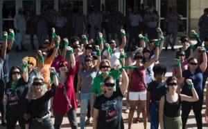 Mujeres de RD protestan frente a la Procuraduría por violencia machista