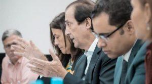 Montalvo anuncia más de 7 mil becas para jóvenes de escasos recursos