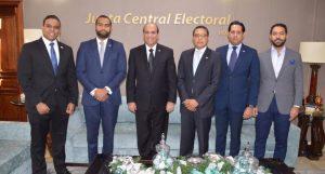 Con el apoyo de la JCE, organizarán debates de los candidatos a cargos