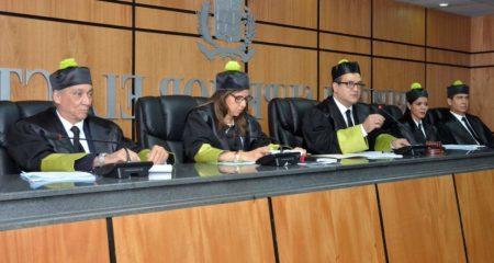 TSE conoció este viernes 10 casos; jueces se reservaron siete fallos