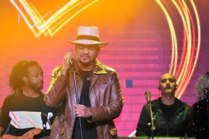 Wason Brazoban cautiva en emotivo concierto Hard Rock
