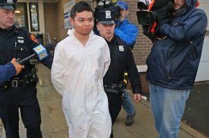 Joven hispano asesina a su madre a puñaladas en Long Island
