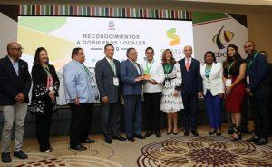 VILLA TAPIA: MAP reconoce Alcaldía por su transparencia y eficiencia