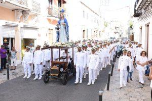 Armada realiza procesión de la Virgen del Amparo