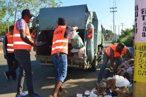 SDN: Alcaldía inicia operativo especial de recogida ante cúmulo de basura