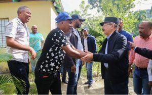 EL SEIBO: Danilo dará apoyo a ganaderos y productores de cacao