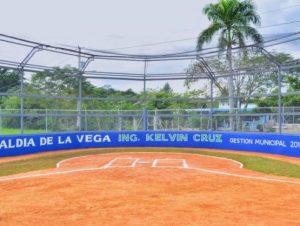 Inauguran moderno estadio de béisbol en La Vega
