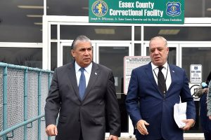 NUEVA JERSEY: Cónsul Carlos Castillo visita presos dominicanos