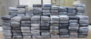 BANI: Autoridades incautan 162,3 kilos cocaína en playa Los Muertos
