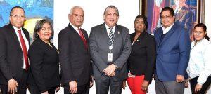 Notarios y cónsul acuerdan asistir comunidad dominicana