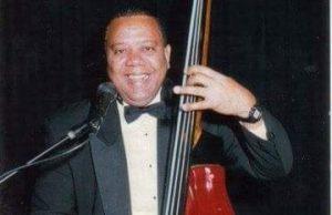Muere de un aparente infarto el bajista y arreglista Cuso Cuevas