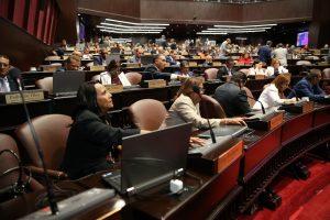 Aprueban préstamo $1.200 millones para el salario 13 de ayuntamientos