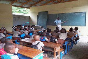 Escuelas de Haití abrirán sus puertas tras masivas protestas