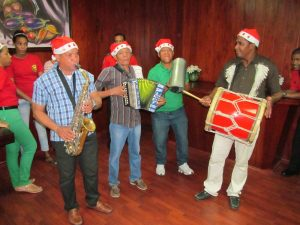 Semana dominicana matizada por festividades navideñas