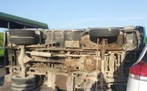 Al menos 19 heridos en accidente de camión que transportaba haitianos