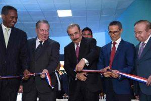 Presidente dominicano inaugura remodelación de canal estatal