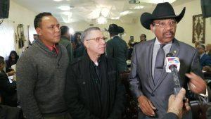 Reverendo Rubén Díaz da su apoyo a Manuel Jiménez para alcaldía SDE