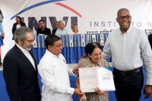 SDE: INVI entrega más de 600 títulos de propiedad en Invivienda