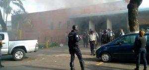 Al menos cuatro muertos durante  incendio de una cárcel en Venezuela