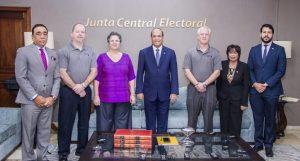 JCE se reúne con IFES y firma de los EE.UU para fines de auditoría