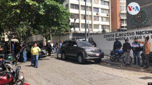 VENEZUELA: Diputados opositores son atacados y no pueden llegar a la AN