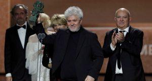 """""""Dolor y gloria"""" triunfa en los premios Goya con 7 galardones"""