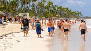 El turismo dominicano necesitará un año para su paulatina recuperación