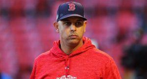 MLB cree que Alex Cora es el artífice principal robo de señas