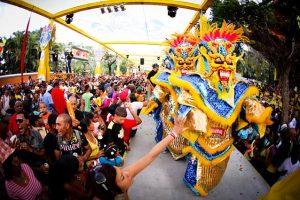 Bachata, merengue y música urbana en el Carnaval Vegano 2020
