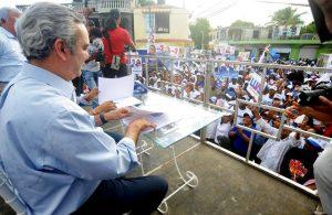 Abinader y Candidato Alcalde firman acuerdo para desarrollar Boca Chica