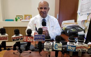 Médico dominicano urge vacunarse ante fuerte virus gripal afecta a NY