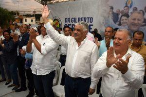 Miguel Vargas Maldonado impulsa actividades del PRD en Santiago