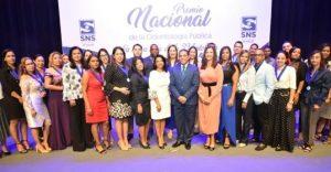 Reconocen profesionales salud bucal; entregan Premio Nacional Odontología