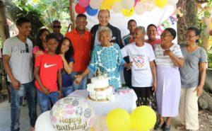 Ramfis celebra 120 años de una de las mujeres más longevas del mundo