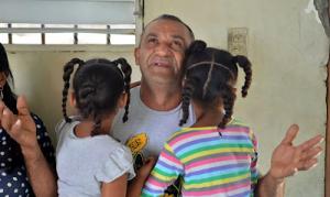 Entregan al Conani las hermanas de la niña Yanesy Rodríguez