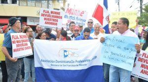 SFM: Protestan contra actitud fiscal ante caso fraude empresa Munné
