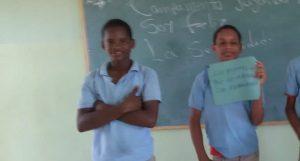S. Ramírez: Dos estudiantes mueren en choque camión y motocicleta