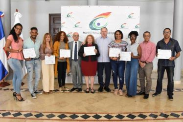 Ministerio premia los ganadores del Festival de Teatro Aficionado 2019