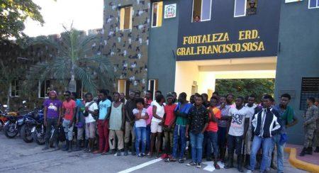 Migración de R. Dom. dice deportó 1,112 haitianos indocumentados