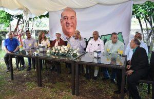 SALCEDO: Bauta lleva propuesta senatorial a grupos productivos