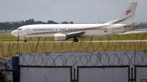 EEUU limita vuelos chárter a Cuba por apoyar al régimen de Maduro